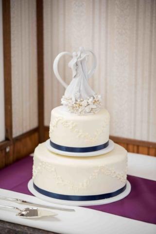 Wedding Cake - Magnolia Blossom Cruises
